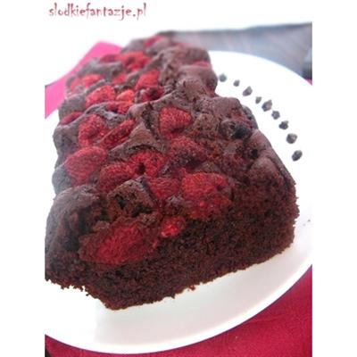 Mocno czekoladowe ciasto z malinami