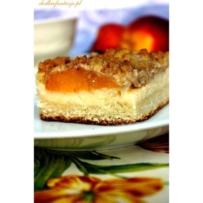 Placek brzoskwiniowy z twarogiem i cynamonową kruszonką