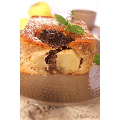 Ciasto cynamonowe z nadziewanymi jabłkami